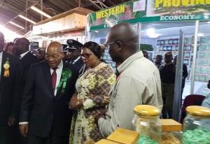 Zuma's Agricultual Show Stand